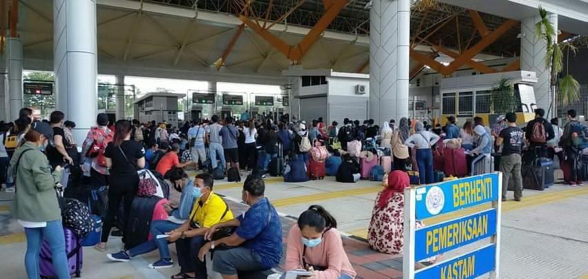 คนไทยตกค้างในมารเลเซียกว่า 5,000 คนทะลักกลับไทย